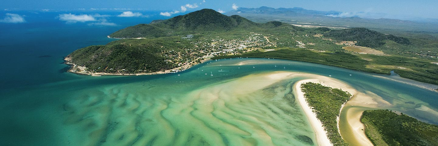 A BEAUTIFUL, UNSPOILT, SMALL HISTORIC COASTAL TOWN ON THE REEF